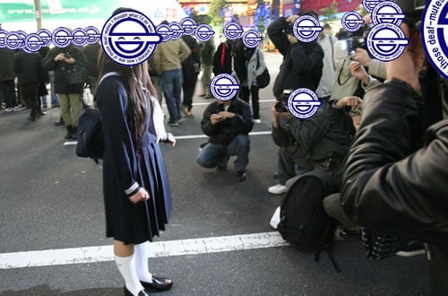 女子高生の路上撮影会 「セーラ服の普通の女子高生」