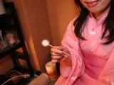 山本耳かき店 『耳かき小町』という浴衣の女性