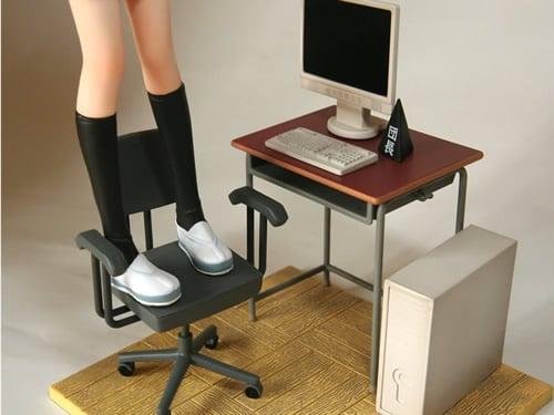 付属品 机・パソコン・モニター・三角塔・椅子・部室の床