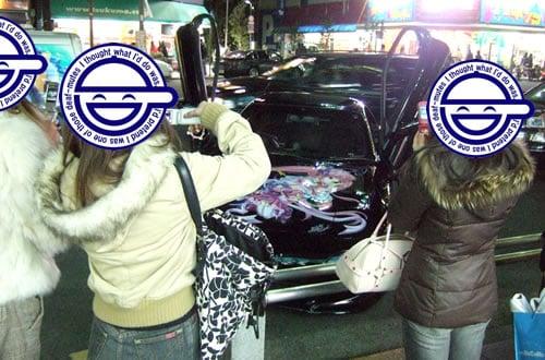 痛車4台、メッセ本店前でプチ撮影会