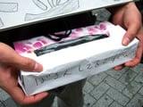 ティッシュ箱で作った募金箱