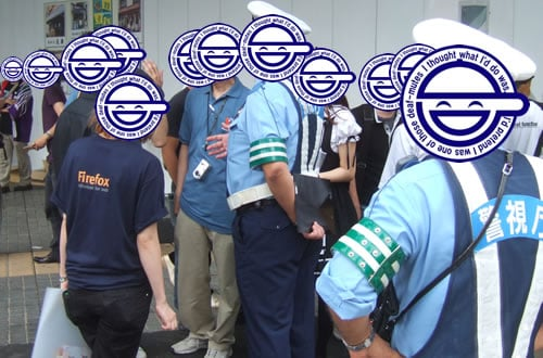 Firefox街頭プロモーションも、警官になんか言われてた